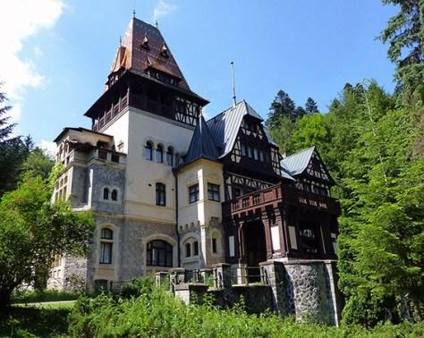 Pelisor-Castle-Sinaia-M.jpg