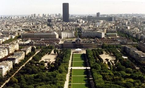 Towards_Montparnasse_from_the_Eiffel_Tower.jpg
